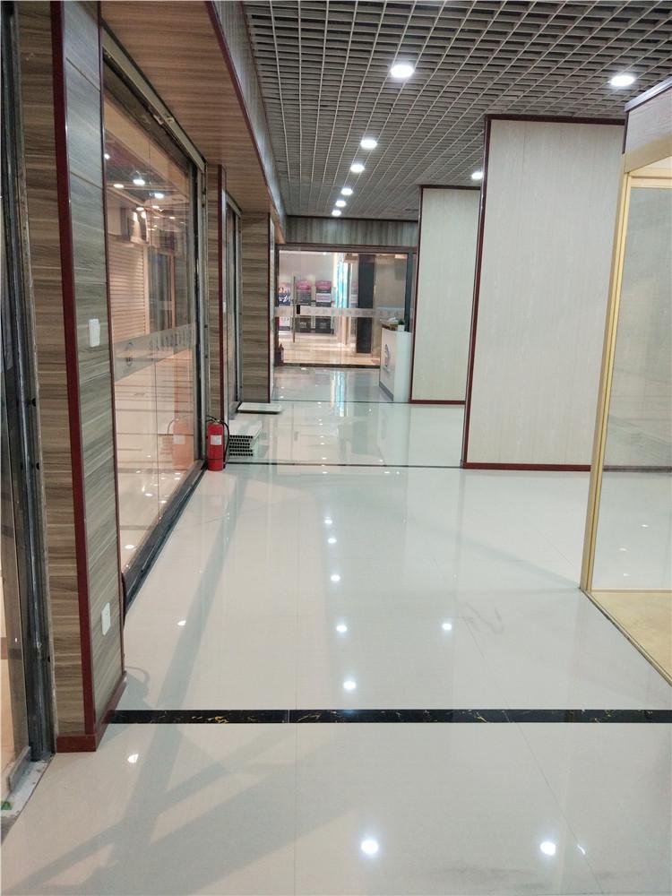 华南城展厅内庭纵览2